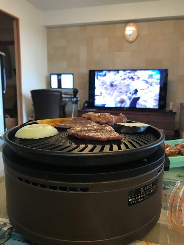 肉を焼いている所